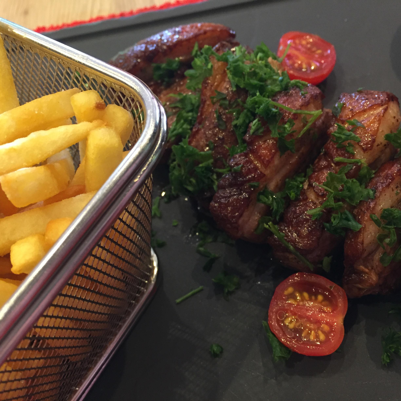 Magret de canard grillé et frites - Winstub HB Horbourg-Wihr Colmar Alsace