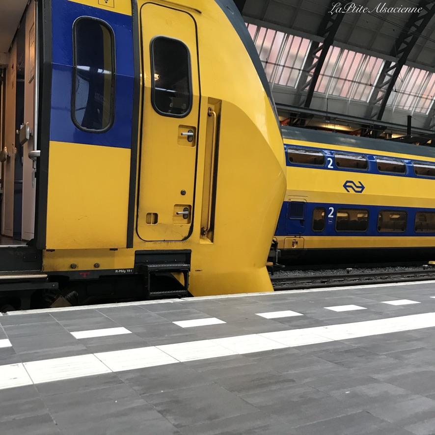 Gare Centrale Amsterdam - Se rendre là bas en train - LaPtiteAlsacienne - Cendrine Miesch - Voyage juillet 2020