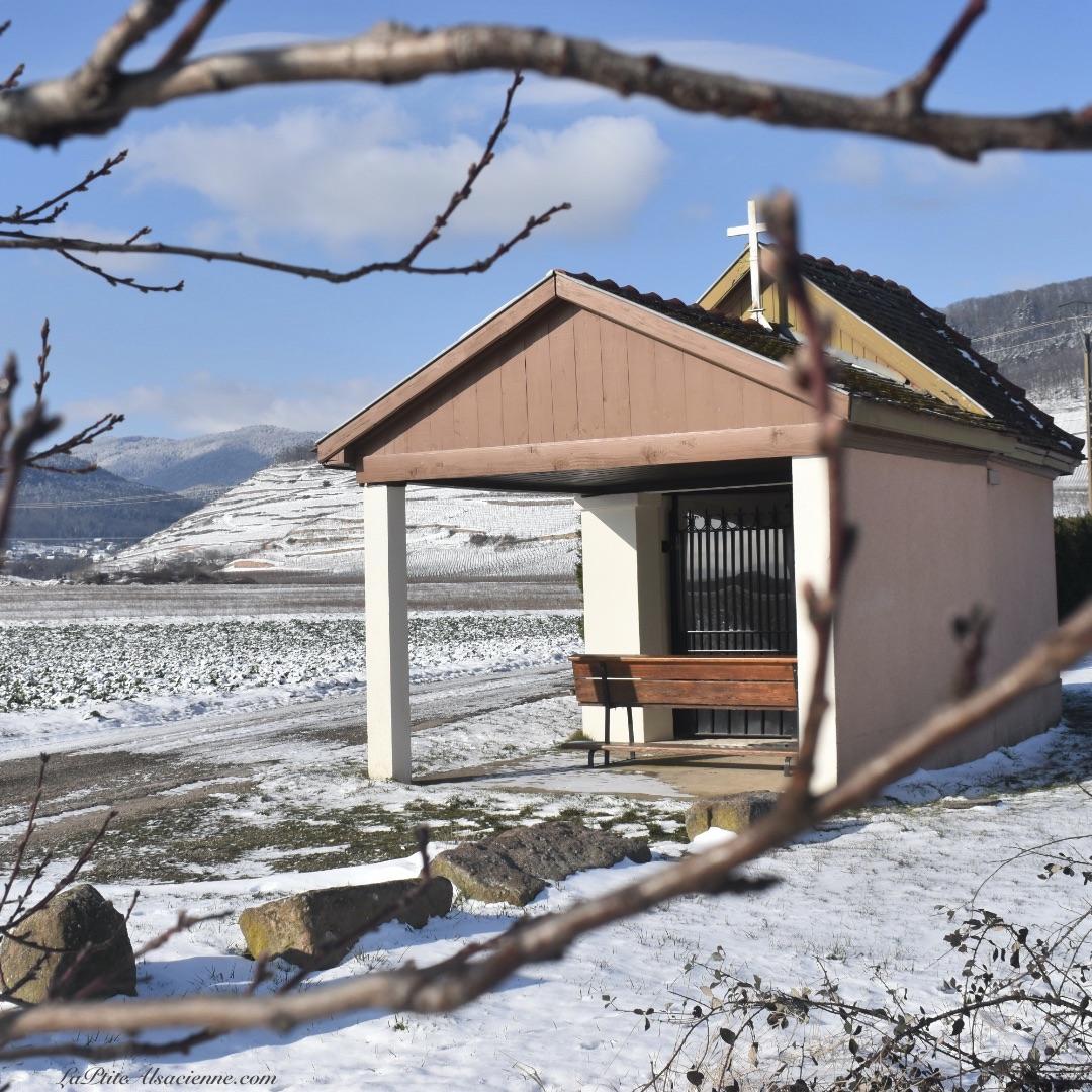 Chapelle présente dans les champs entre Issenheim Bergholtz et Guebwiller - Photo by Cendrine Miesch dite LaPtiteAlsacienne