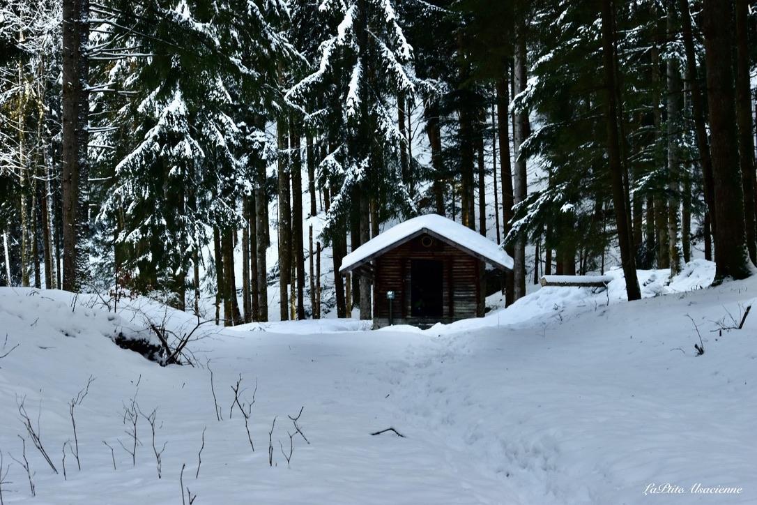 Refuge avant la Cascade du Seebach - Photo sous la neige par Cendrine Miesch dite LaPtiteAlsacienne