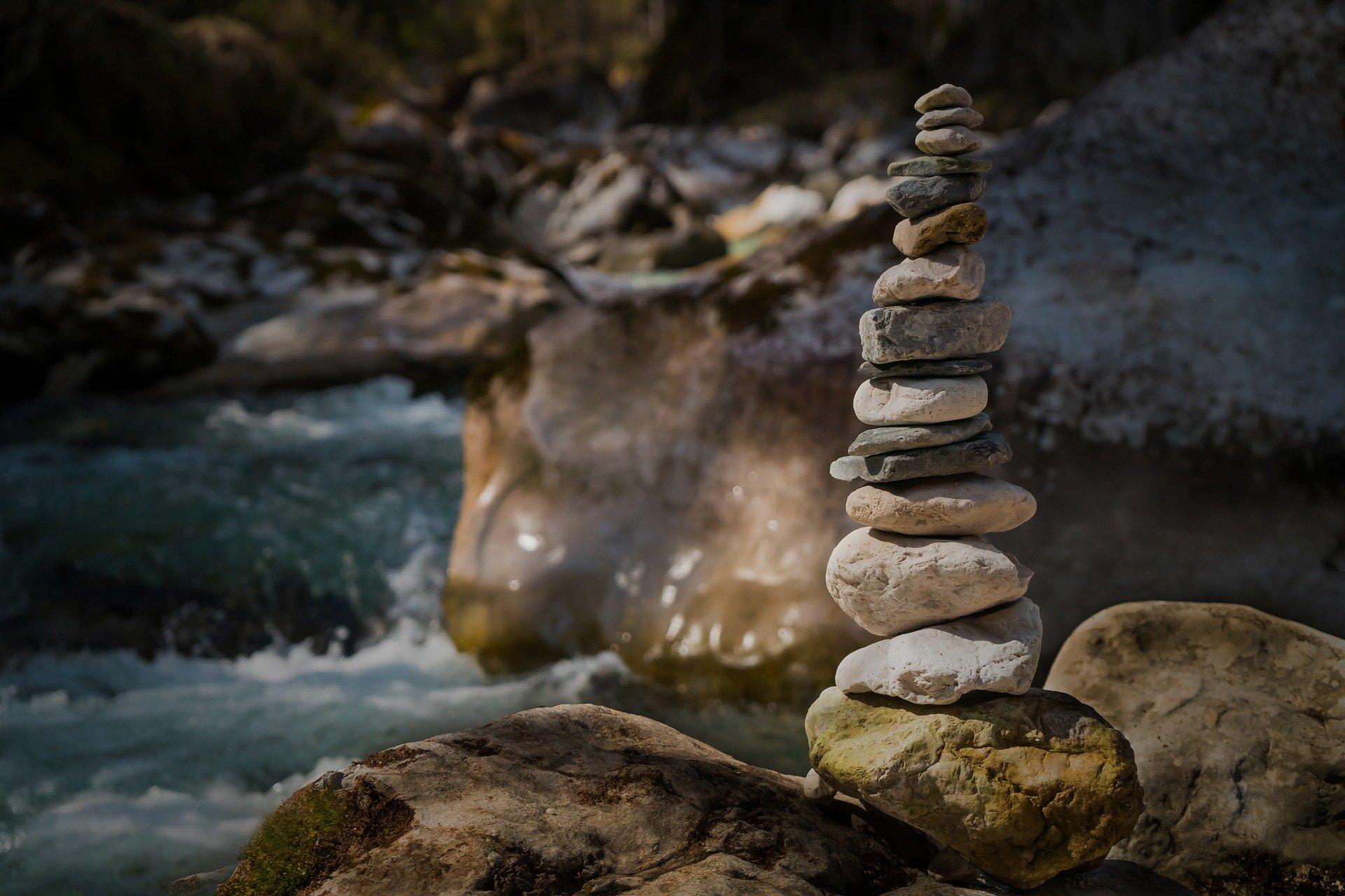 Image de cailloux zen - Image par Lars_Nissen de Pixabay
