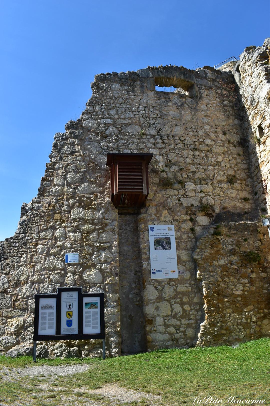 Latrines du château de Landskron