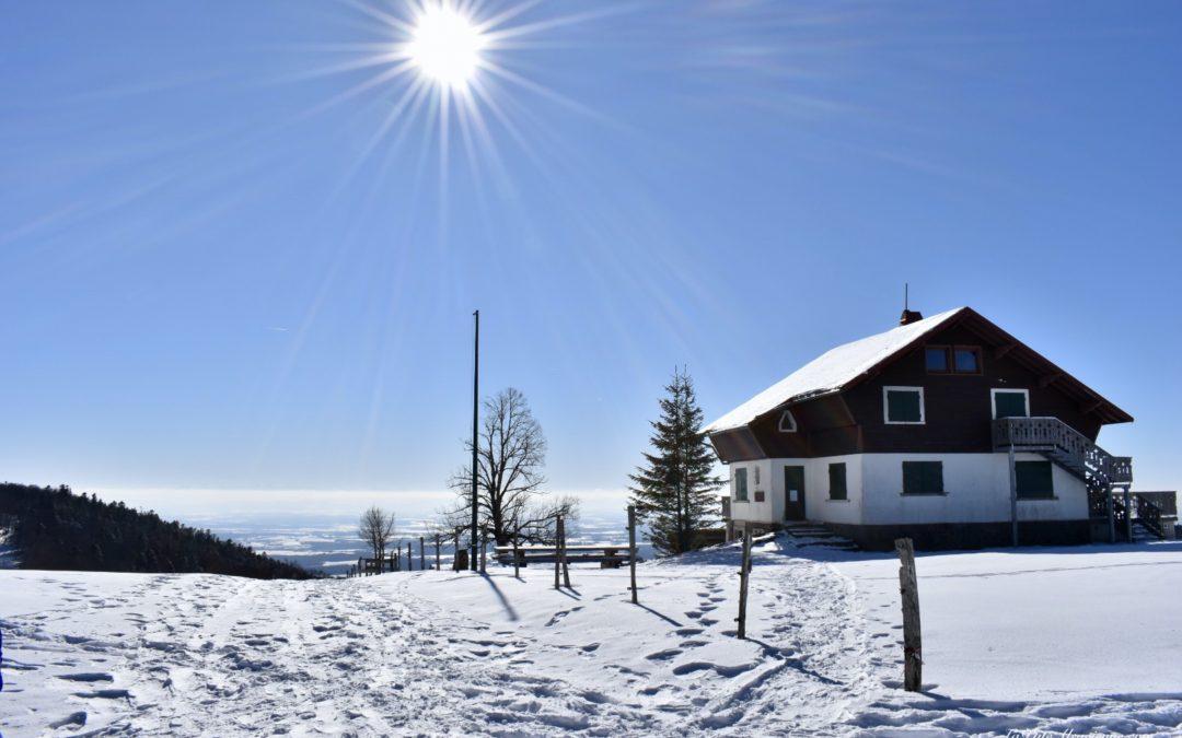 Refuge du Rossberg sous le soleil et la neige