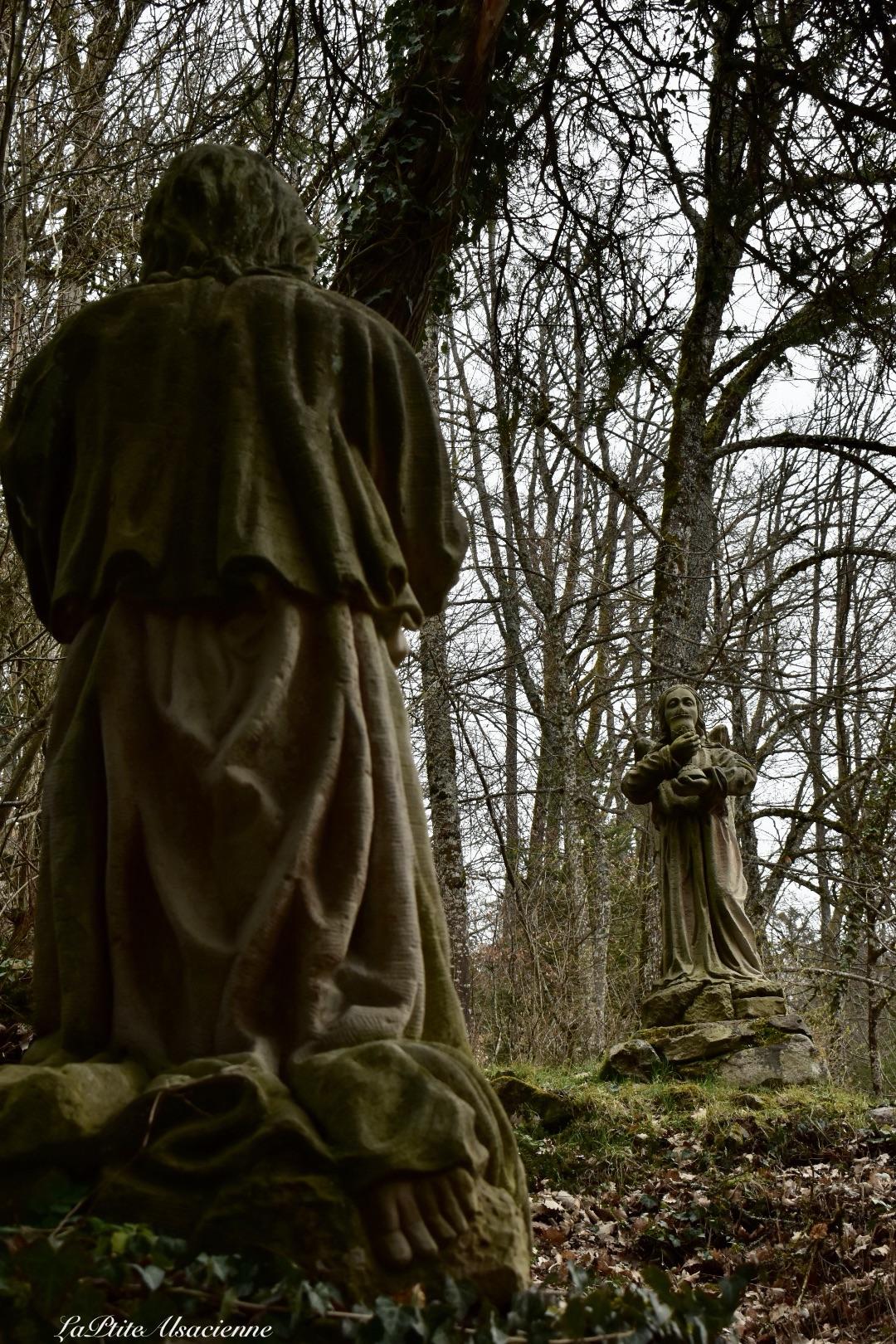 vers chemin de croix abbaye murbach