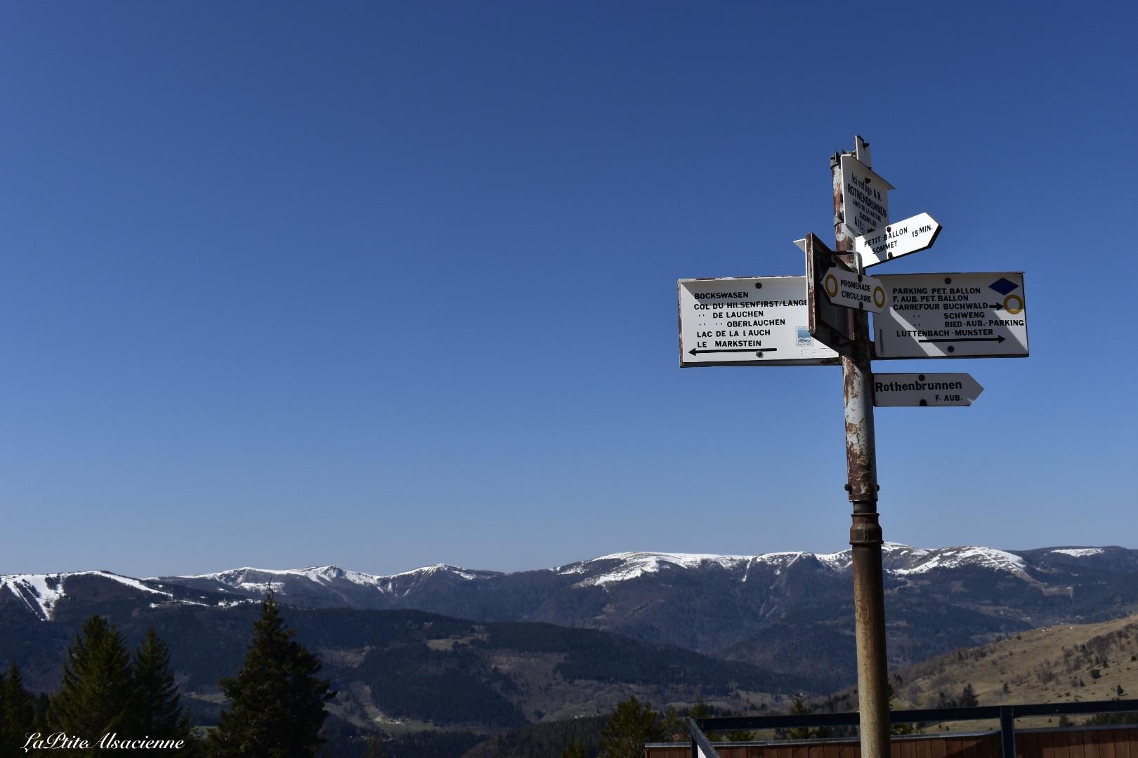 Panneau directionnel depuis refuge rothenbrunnen