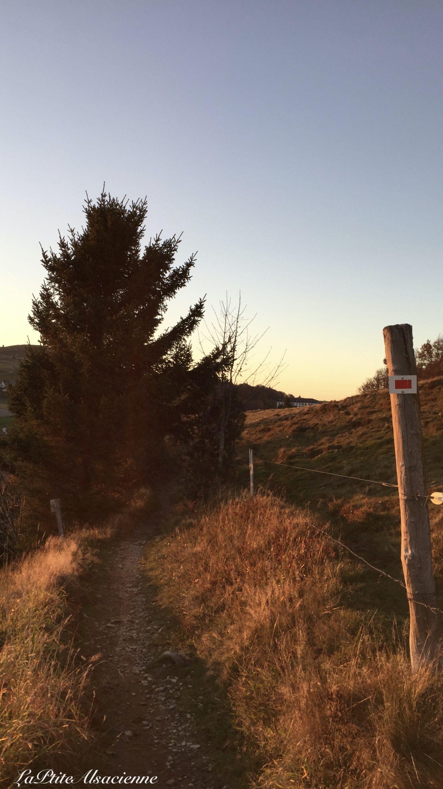 Sentier vers le Marsktein au coucher de soleil