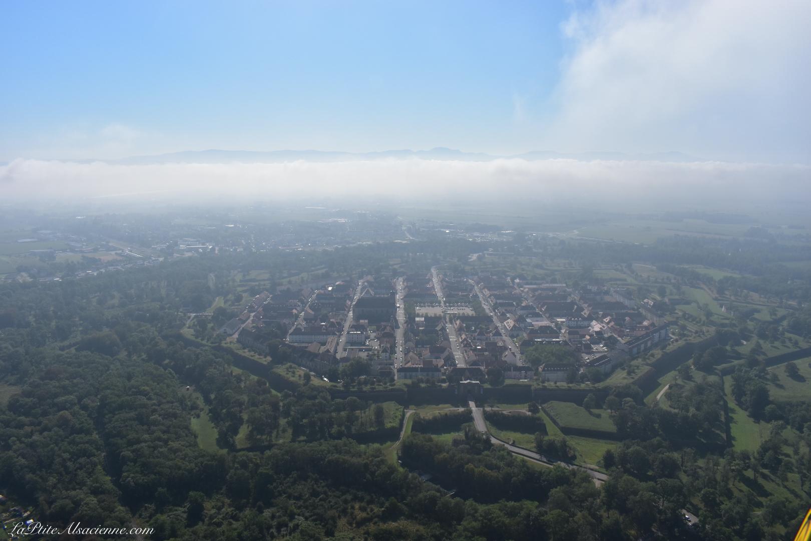 Neuf Brisach et son célèbre fort fortifié par Vauban, vu du ciel. Photo de Cendrine Miesch dite LaPtiteAlsacienne