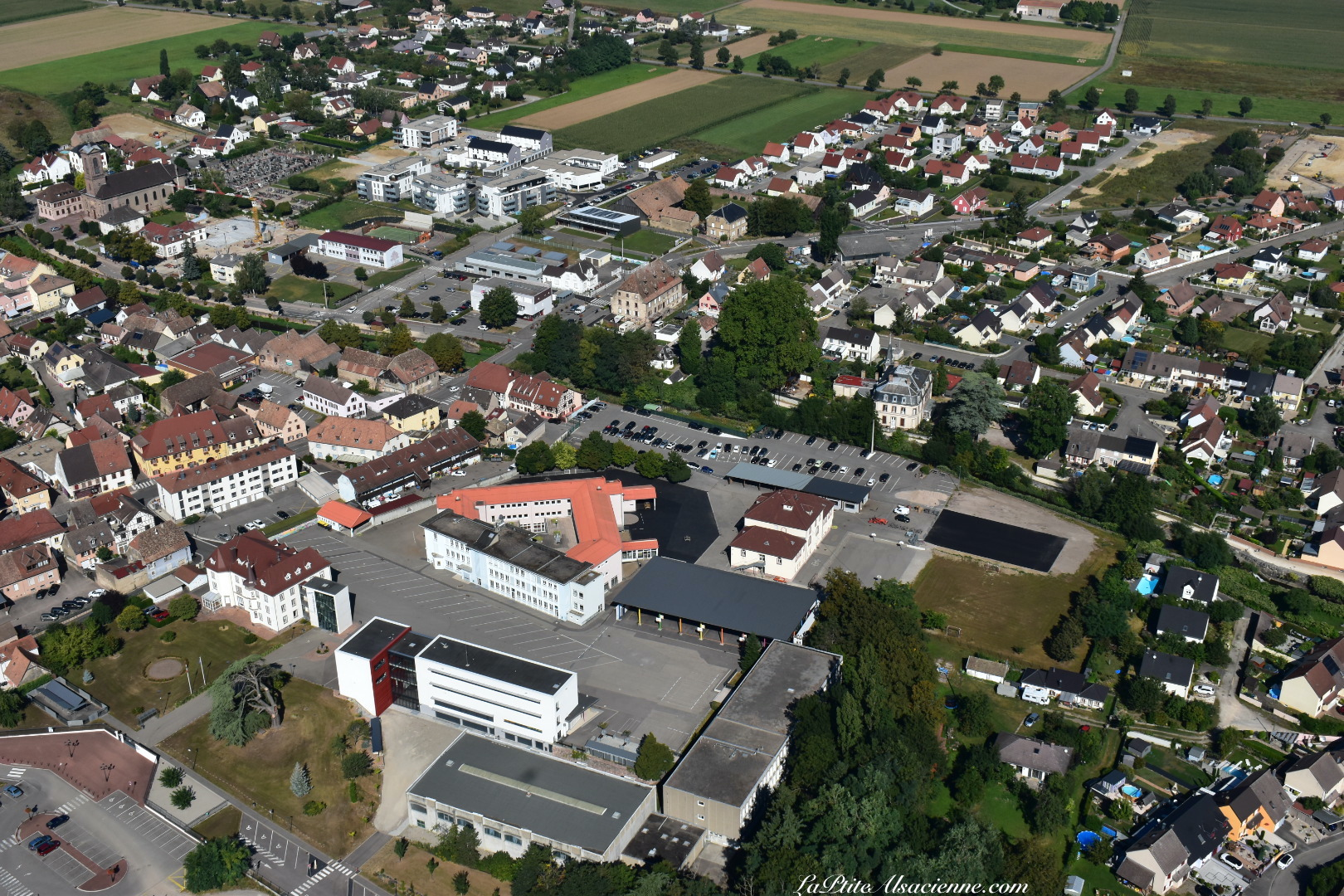 Une autre vue sur l'institution champagnat à Issenheim. Photo de Cendrine Miesch dite LaPtiteAlsacienne