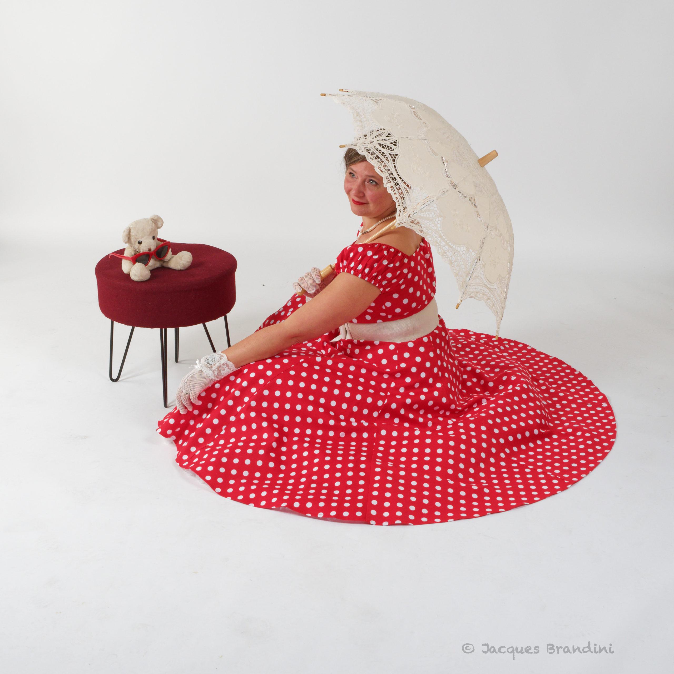Photo de Jacques Brandini. Robe de la marque Collectif de chez la boutique 413 à Burnhaupt. Model photo :  Cendrine Miesch Dite LaPtiteAlsacienne.