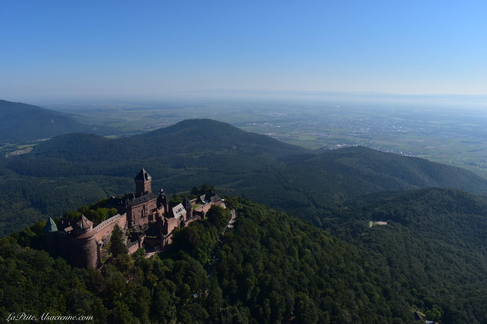 Le château du Haut-Kœnigsbourg vue du ciel - sortie en ULM en septembre 2021 par LaPtiteAlsacienne (Cendrine Miesch)